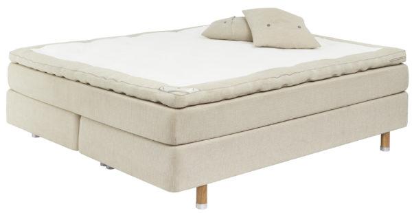 Skön Kontinentlasäng/ continentalsäng. Denna kommer från Carpe Diem och het Kornö. Välj mellan olika bäddmadrasser och färger. Riktigt bekväm och följsam säng.
