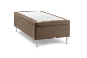 Bekväm säng som finns i både medium, fast och extra fast. Denna säng är en ramsäng och heter Sirius. Sängen är från Viking.