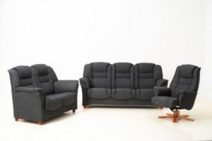 Fin soffa med hög rygg. Denna soffa heter Elsa och går att bygga. Du kan få den som 3 sits soffa, 2 sits soffa, hörnsoffa och fåtölj.