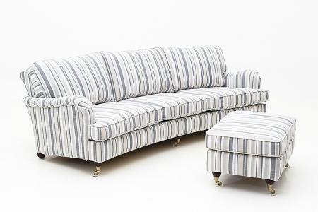 Lincoln en fin soffa i Howard modell. Soffan går även att kombinera med fåtölj och fotpall. Går att få som svängd soffa eller rak soffa.