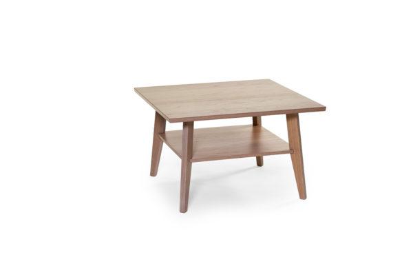 Fyrkantigt soffbord som passar bra i vardagsrummet.