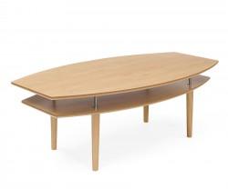 Ett fint soffbord som finns i lackad ek, espresso, vitpigmenterad ek och grå. Detta soffbord har en fin ovanlig form.