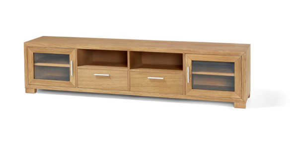 En fin tv-bänk eller mediamöbel. Denna är i oljad ek och har såväl dörrar som hyllor och lådor.