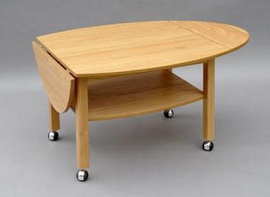 Ett fint soffbord med klaff, tidningshylla och hjul. Soffbordet heter Havanna och kommer från Bordbirger. Finns i Ek, Vitlack, Svartbetsad ek, Valnöt, Rökt ek och Vitpigmenterad ek.