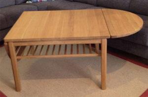 Soffbordet Heimdal som finns med och utan klaff. Du kan även välja att få det med eller utan tidningshylla. Bordet finns som fyrkantigt och ovalt.