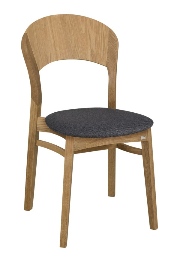Stolen Rainbow som hör till matgruppen med samma namn. Stolen går att få som karmstol.