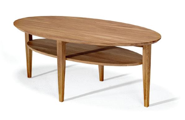 Ett fint soffbord med hylla som finns i färgerna oljad ek, vitbetsad ek, svartbetsad ek, vitoljad ek och vitlackad med skiva i oljad ek.