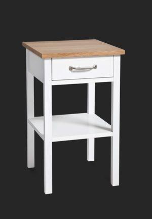 Ett fint sängbord eller nattduksbord som finns i vitlack och ek. Går att kombinera med sängram eller huvudgavel i samma serie.