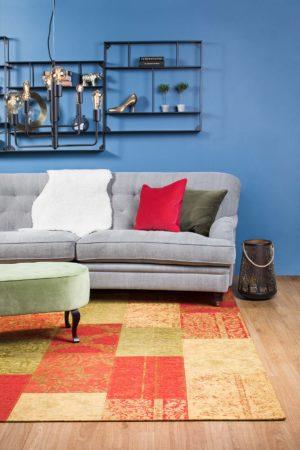 En fin matta till vardagsrum från Strehög. Vävd i akryl, bomull och polyester. Finns i färgerna röd, blå, petrol, multi och antracit (grå). Mått: 140x200, 155x230, 200x280