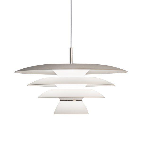 En snygg lampa som passar bra över köksbordet eller i vardagsrummet. Denna taklampa finns i svart och vitt.