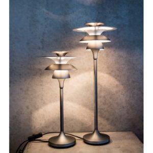 En bordslampa vid namn Picasso från Belid. Lampan finns även som taklampa, golvlampa, vägglampa och takkrona.