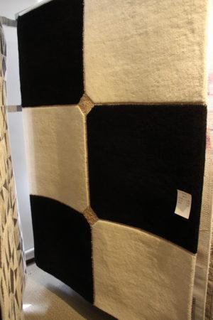 Mysig brun och beige matta från Strehög. Finns i storlek 140x200. Mattan passar bra i vardagsrum.