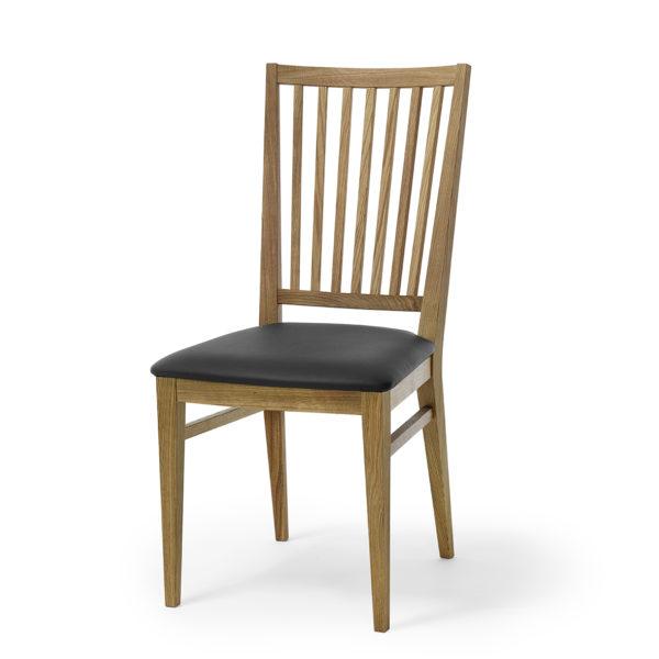En stol som passar till matbord. Denna stol heter Särö och är från Torkelsons. Välj mellan sits i tyg, skinn eller ek. Du kan även få stommen i vitlack.