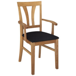 Modell V av karmstolen Inzel från Hans K. Välj mellan oljad ek, blond ask eller vit. Du kan även få olika sitsar. Stolen passar bra till matbordet.