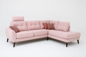 Marta en byggbar soffa från Ermatiko. Denna soffa har mjuk sits och rygg. Soffan finns med flera olika armstöd och flera olika ben.