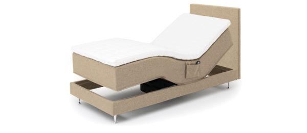 Fox Pearl en säng från Ermatiko. Detta är en justerbar säng med motor. Du kan höja och sänka fot och huvudända. Denna säng är med fem zoner och 1 lager pocket.