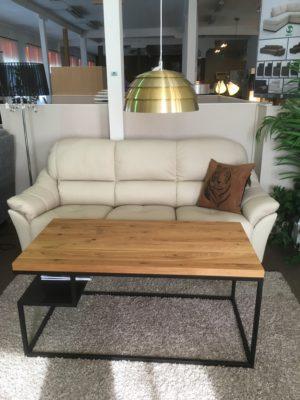 Soffa där djupet på sitsen är justerbart. Denna soffa går att få i skinn och tyg. Soffan Carlos kommer från Ermatiko. Välj mellan 2 sits soffa, 3 sits soffa och fåtölj.