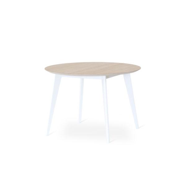 Stella är ett matbord från Torkelsons. Här som runt bord 110 cm. Bordet finns även som klaffbord i storlekarna 125x85 och 80x80 cm. Skiva i vitoljad ek och vitlackade ben.