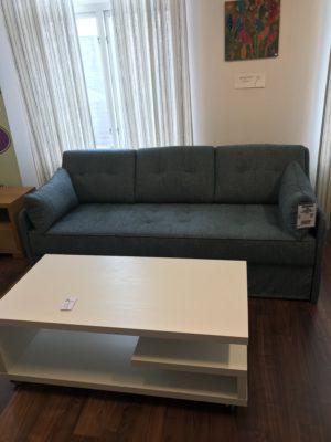 Bäddsoffa från Hovden. Längsbäddade bäddsoffan Roma är en 3 sits soffa med fasta ryggdynor. Denna soffa har bonellfjädrar i både under och överbädd.