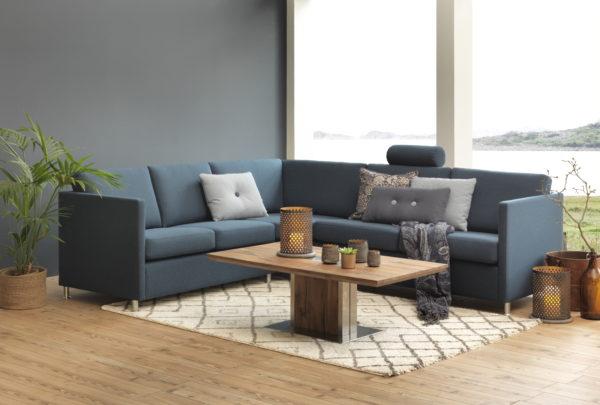 London en byggbar soffa från Troels. Soffan går att få som hög soffa, låg soffa och djup soffa. Välj melan skinn och tyg. Går att få med sits i kallskum eller dun.