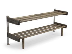 Skohyllan Meja från Oscarssons. Denna skohylla är svensktillverkad och finns i ek, vitoljad ek, svart, vitlack och rökt ek.