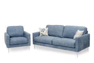 Modern djup soffa med vändbara dynor. Soffan Boss från Above har pocketfjädrar i sitsen. Vi ger även 10 års garanti på sittdynorna.