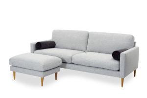 Soffa från Above vid namn Boss. Boss är en modern djup soffa. Både ryggdynor och sittdynor är vändbara. 10 års garanti på sittdynorna i pocket.