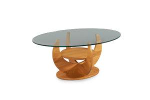 Fint modernt soffbord från Bordbirger. Triumf är ett svensktillverkat soffbord med skiva i glas och underrede i ek.